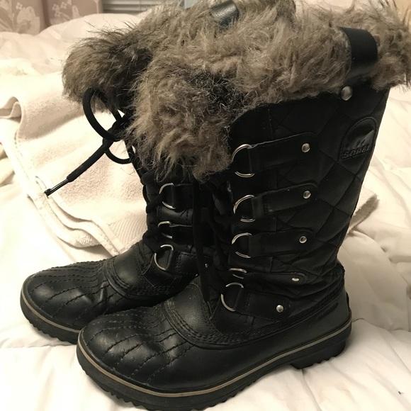 Sorel Womens Black Fur Lined Snow Boots